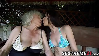 Sexy young Linda Love enjoys ass and pussy licking by granny