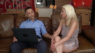 Golden cougar Szandi serves her young lover at the highest level