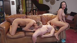 Vigorous lesbian trio between Ryan Keely, Aiden Starr and Crystal Rush